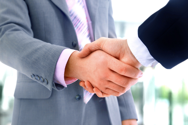 handshake for business transaction